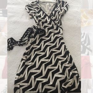 DVF Furstenberg Cap Sleeve Wrap Dress Sz10